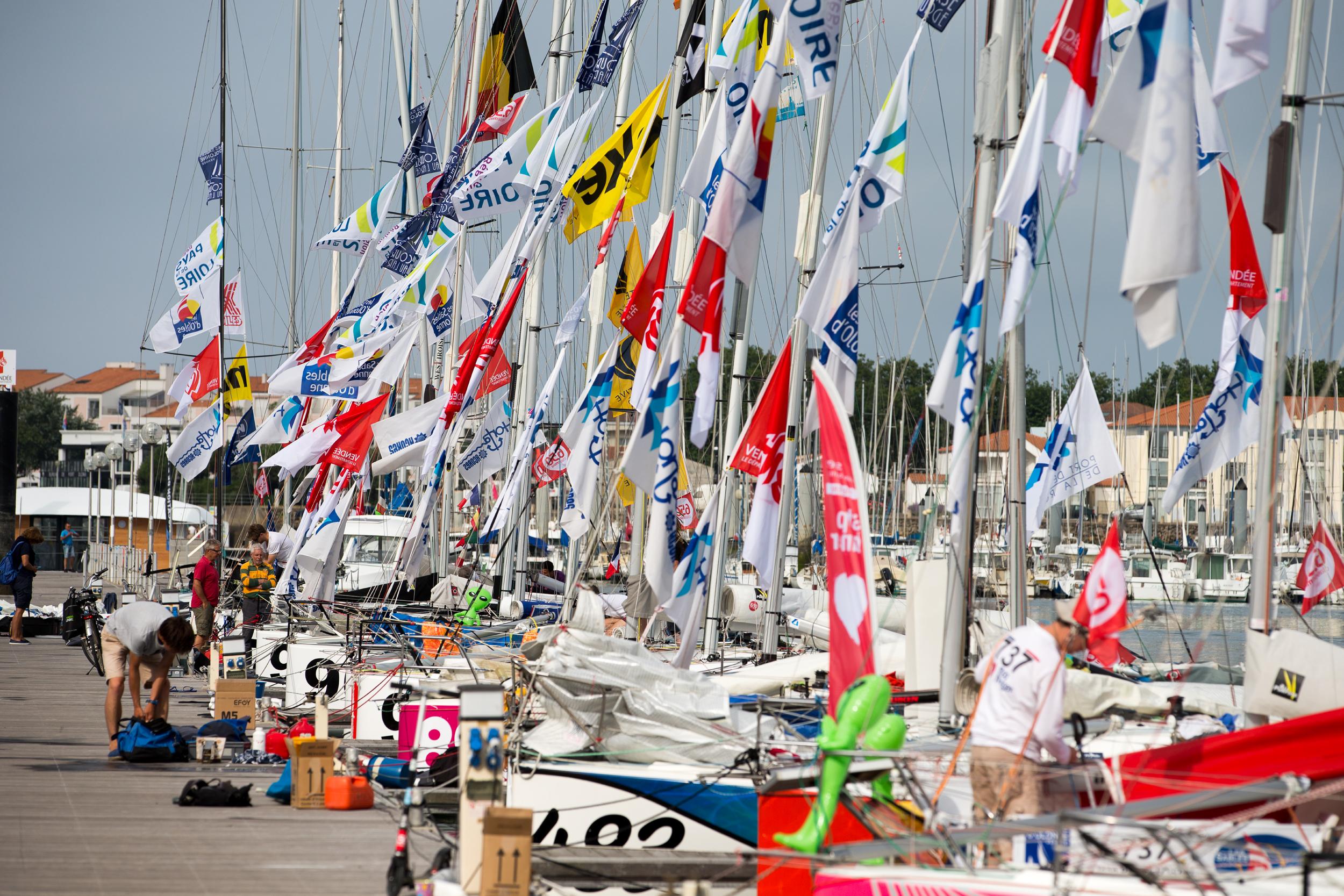 Ponton Vendée Globe aux Sables d'Olonnes avant le départ de la course qualificative Les Sables - Les Açores - Les Sables en juillet 2016 (Photo : C. Breschi).