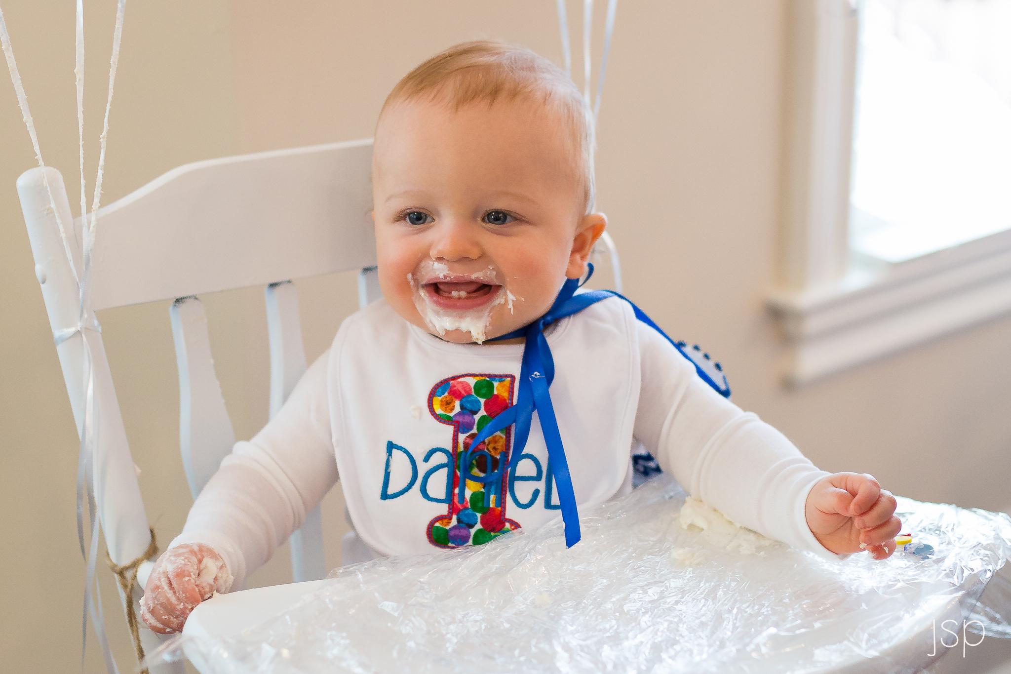 firstbirthday_cakeface