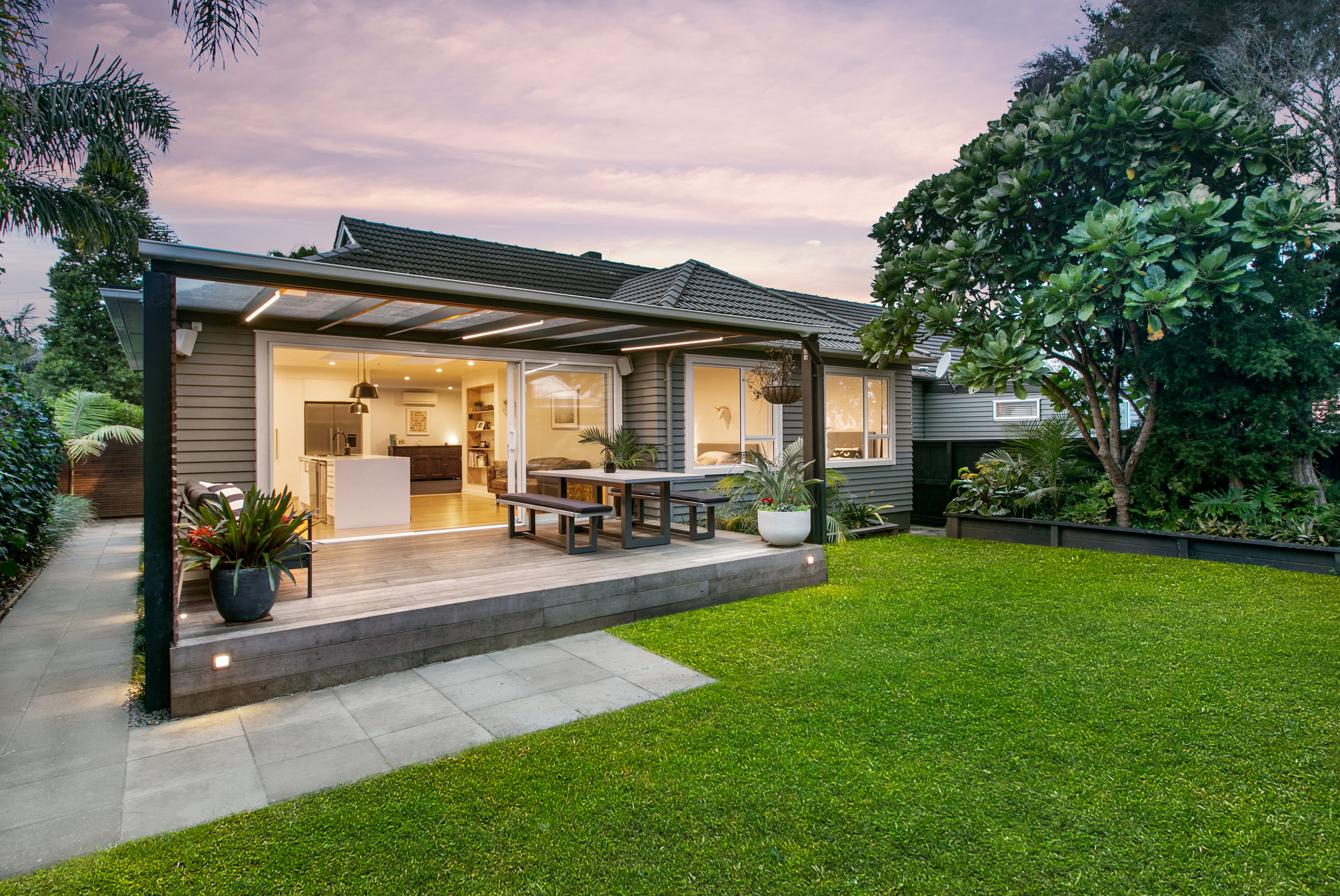 5f8400713ad Auckland Realestate Agents - Abbey and Richard Real Estate - 6 Houpara  Street, One Tree Hill