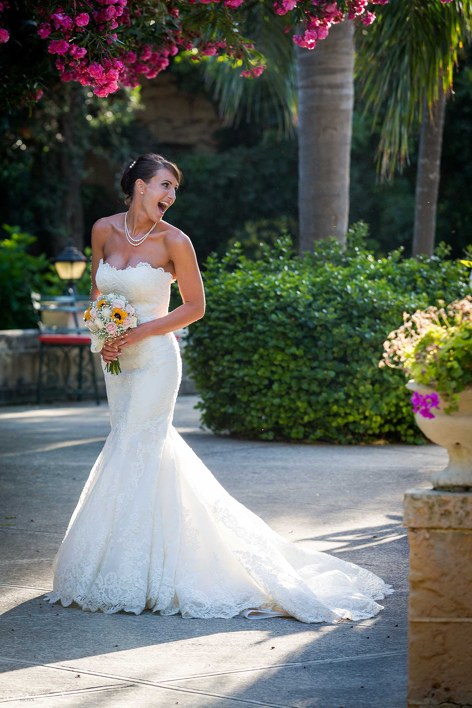 destination-bride-laughing-natural-photography