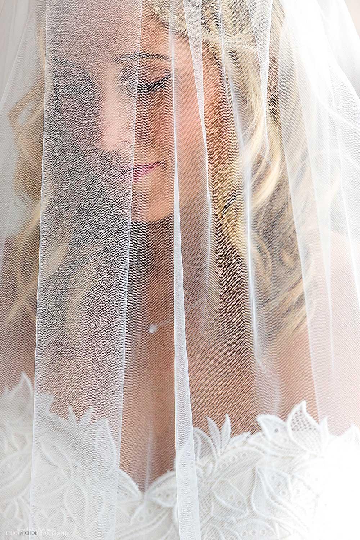 veil-bride-portrait-wedding-day-photography