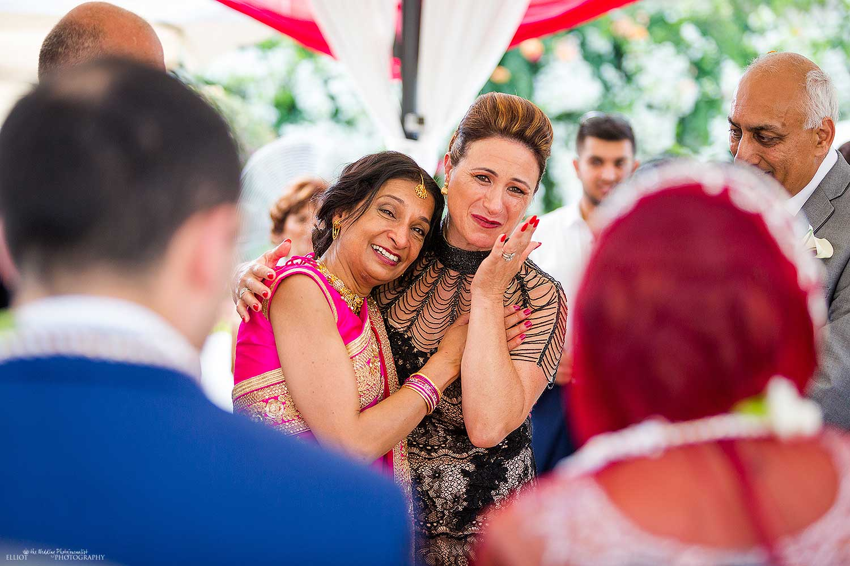 mothers-emotional-wedding-photo-indian-ceremony-family-hindu