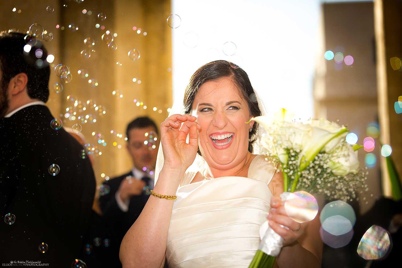 bubbles-confetti-substitute-wedding-church-bride-photo