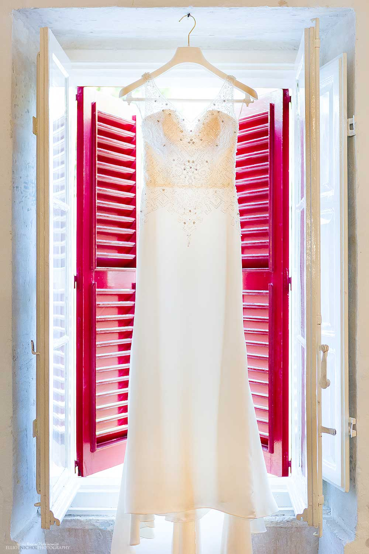 brides-wedding-dress-design-idea-inspiration-wedding-photography