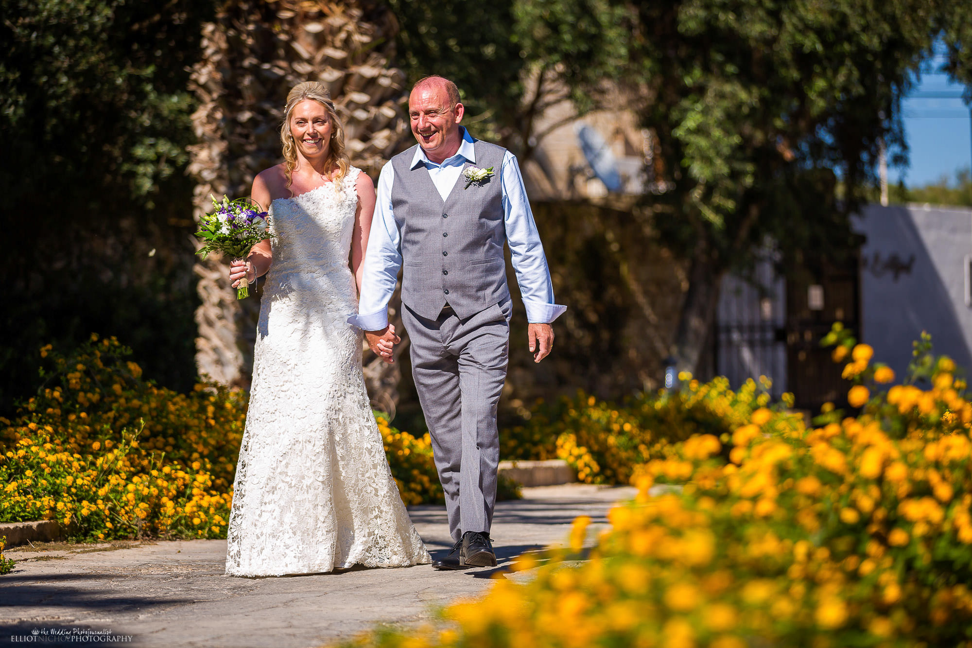 bride-father-walk-ceremony-wedding-destination-Malta-photography