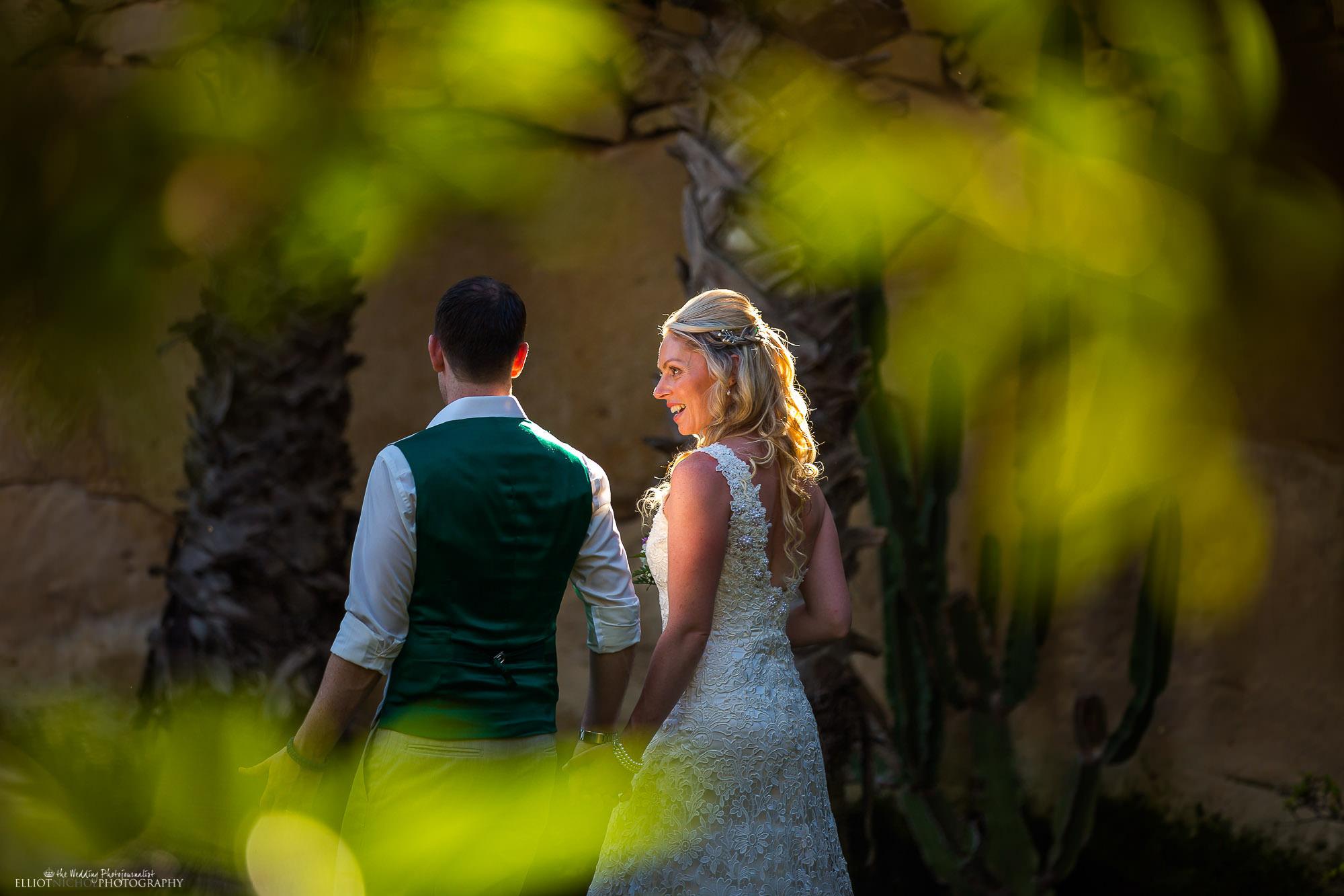 candid-photo-bride-groom-wedding-venue-photography
