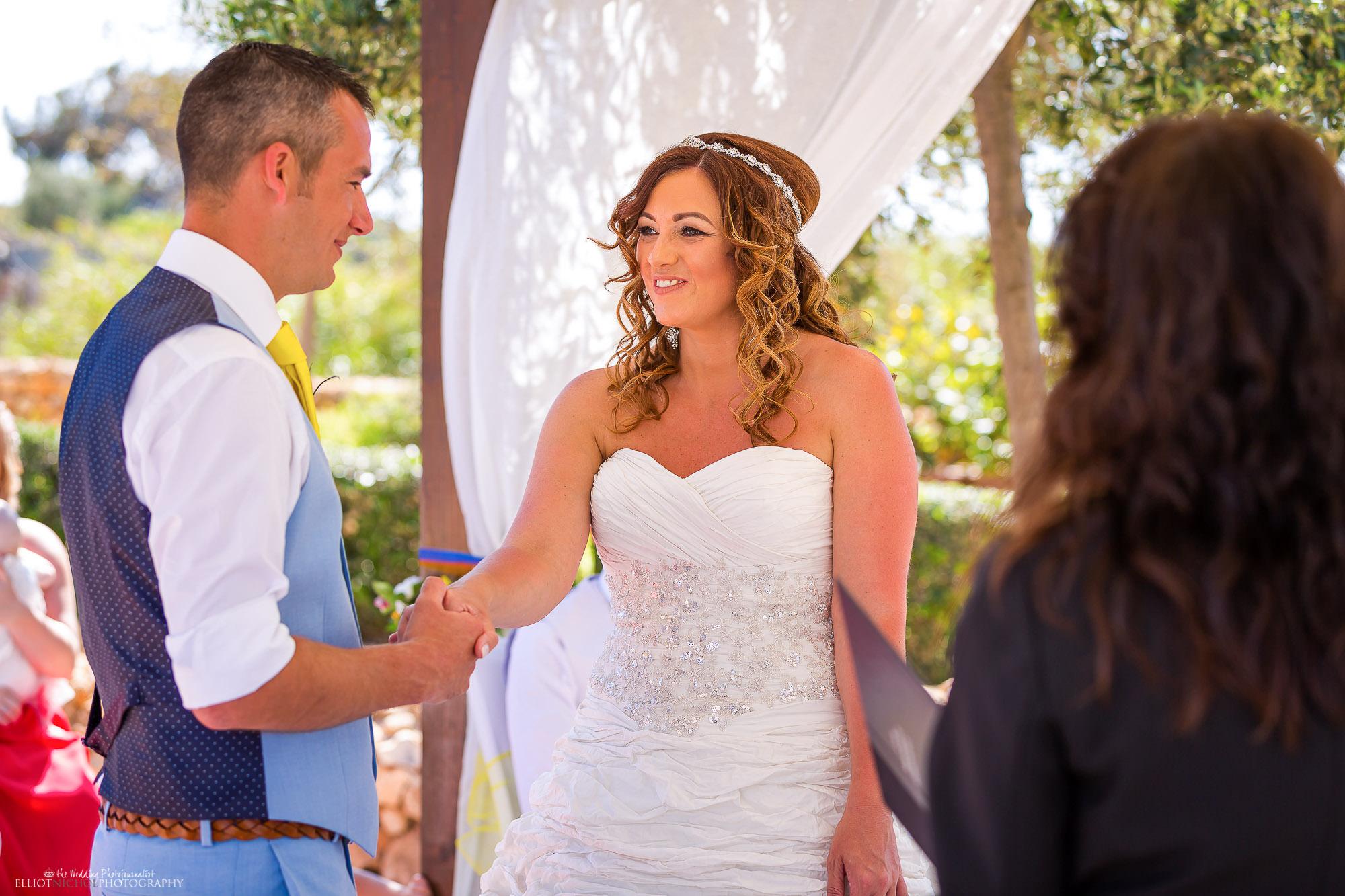 wedding-vows-ceremony-bride-groom-photography