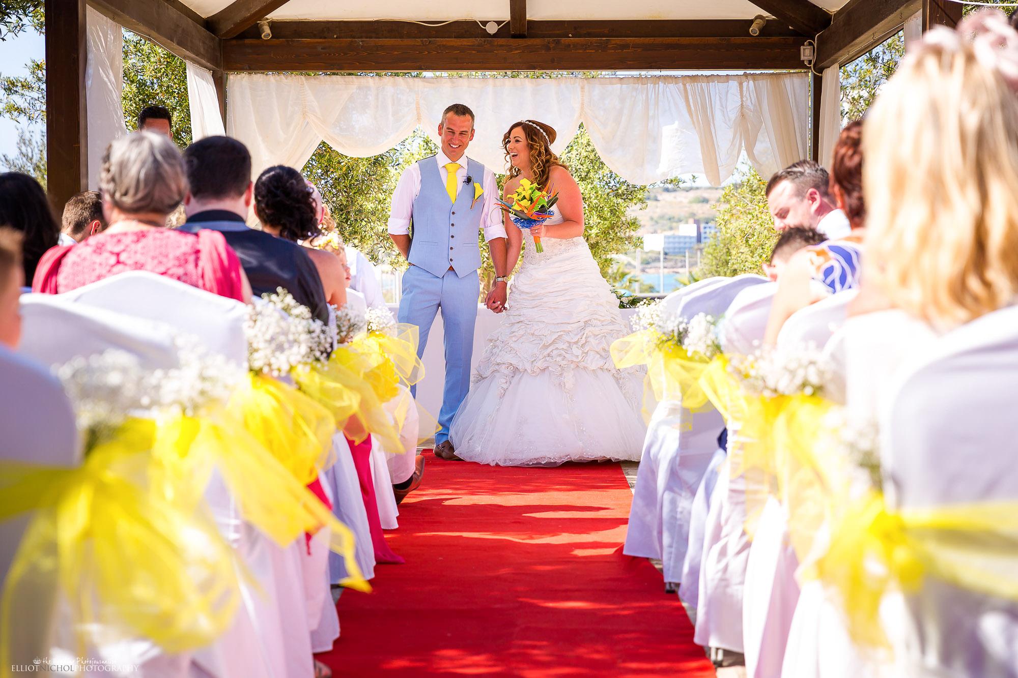 destination-wedding-altar-Seabank-ceremony-setup