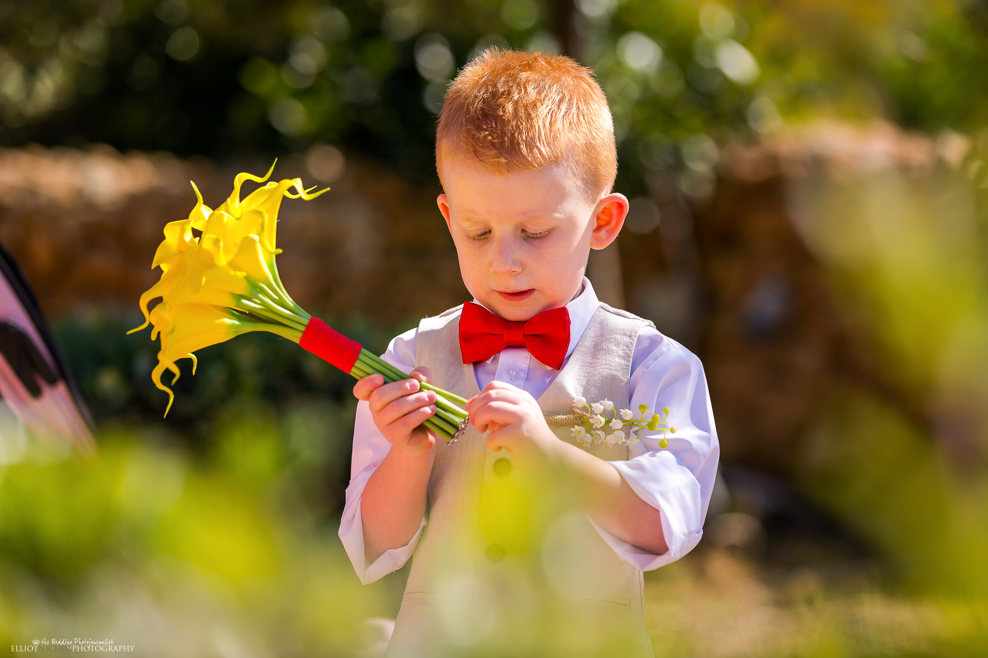 pageboy-bouquet-destination-wedding
