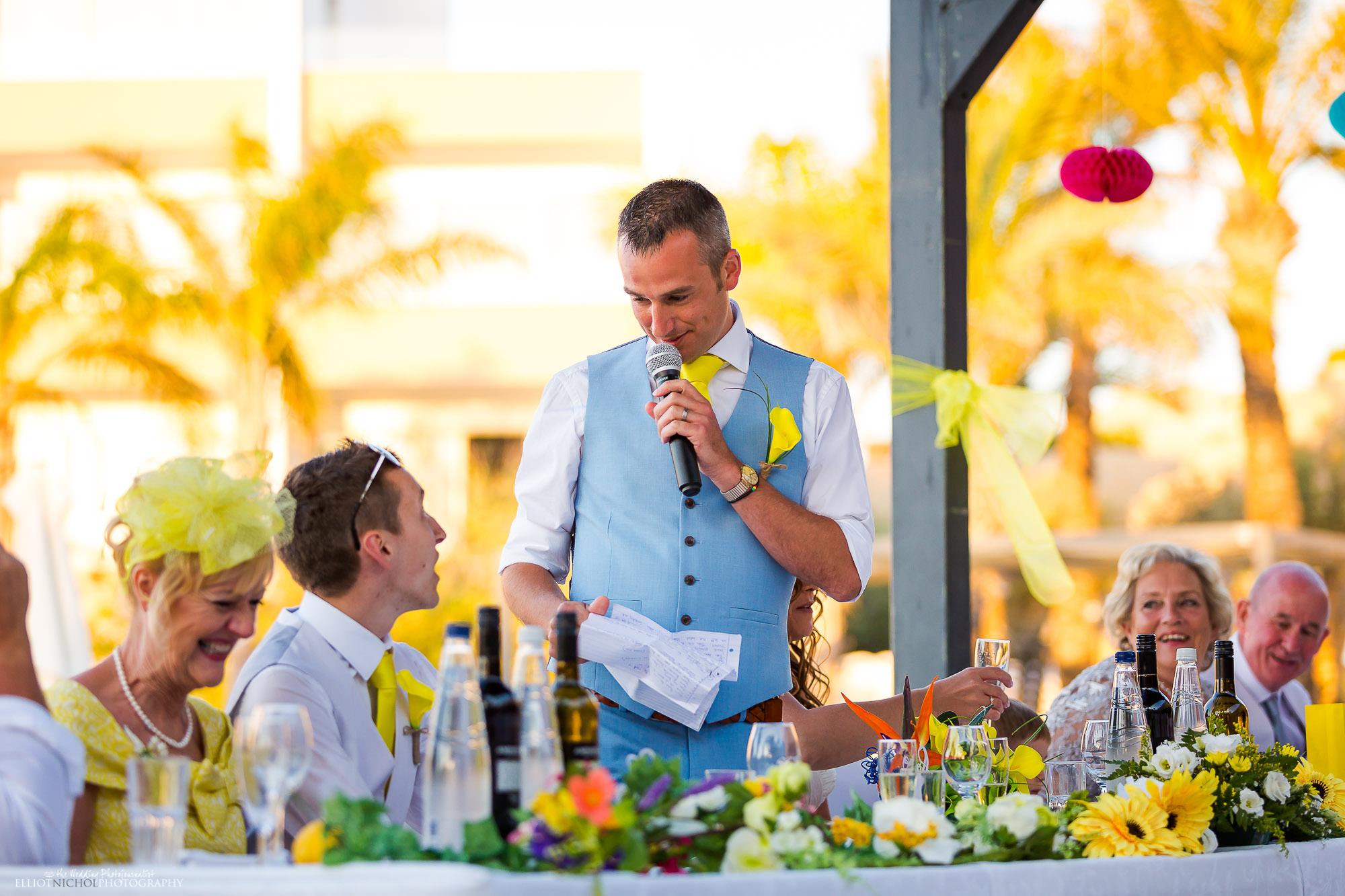 groom-wedding-day-speech-reception-photography