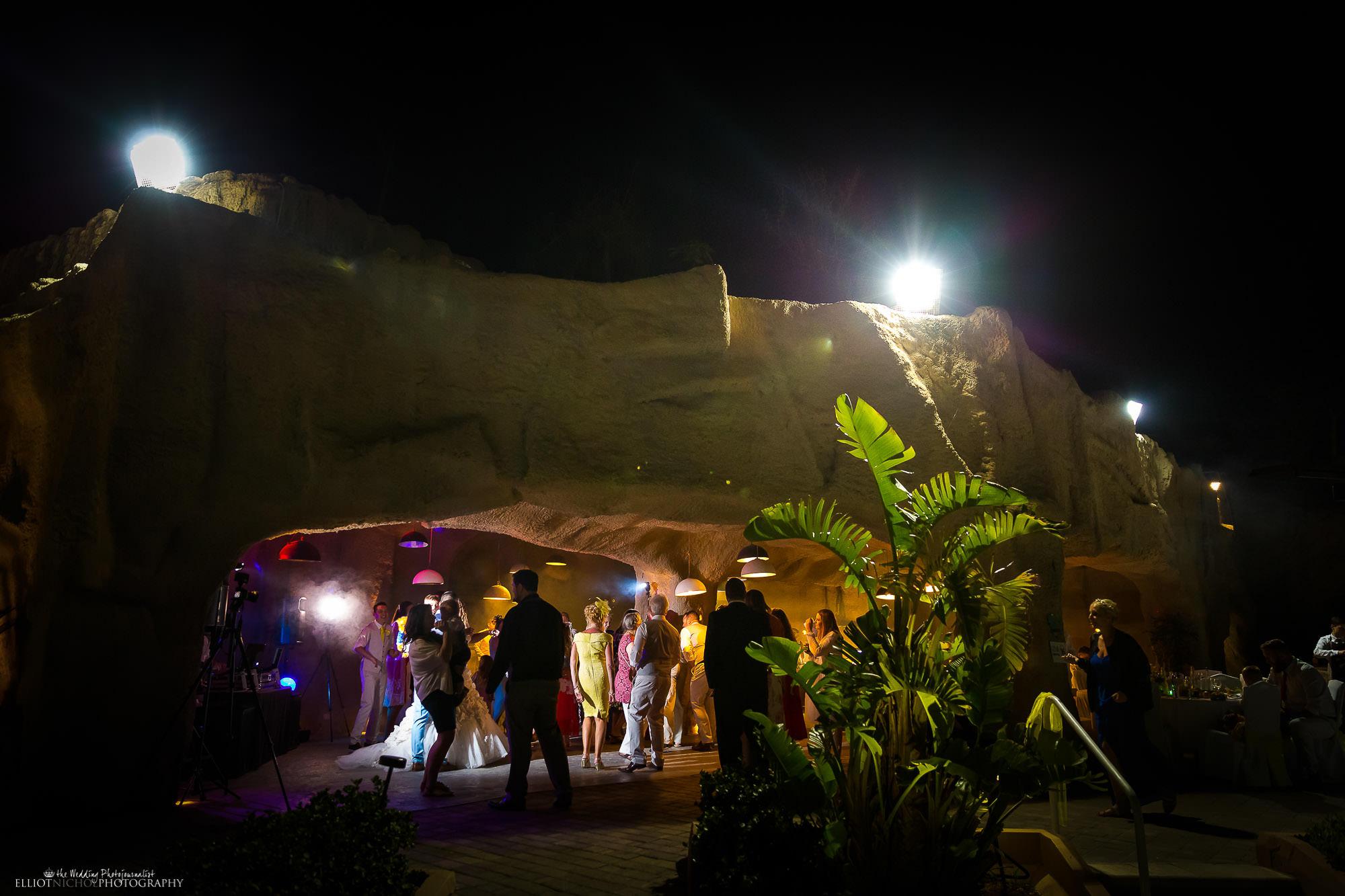 destination-wedding-Grotto-Malta-Seabank-photography