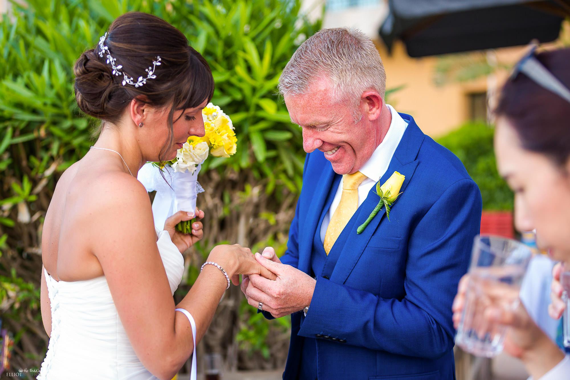 bride-groom-newlyweds-ring-wedding-photography