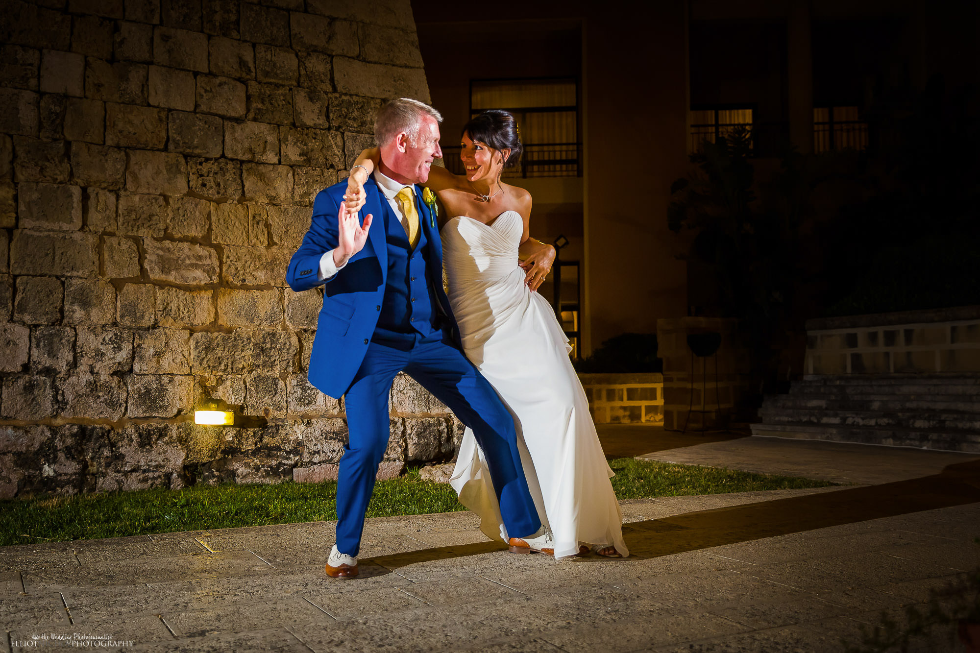 destination-couple-first-dance-wedding-photography