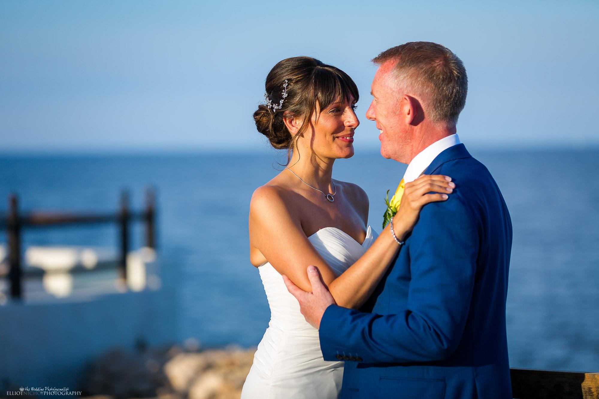 wedding-photography-destination-sea-bride-groom