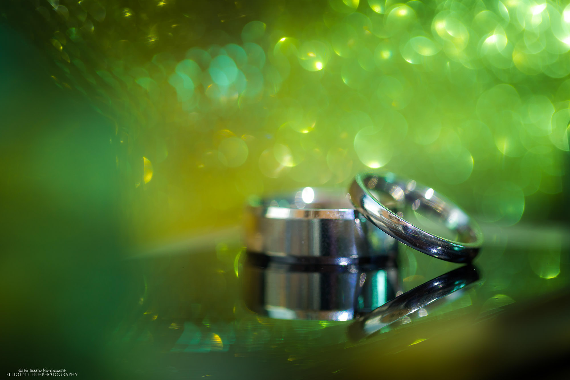 wedding-rings-photography-macro-bride-groom