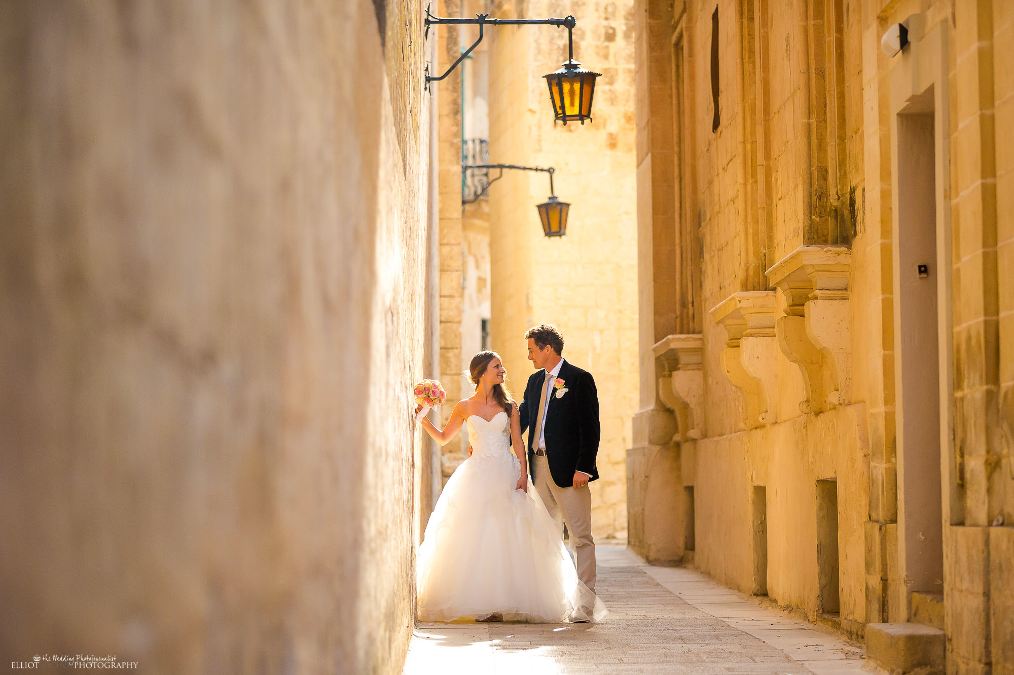 bride-groom-newlyweds-portrait-photographer-Newcastle-wedding-photographer