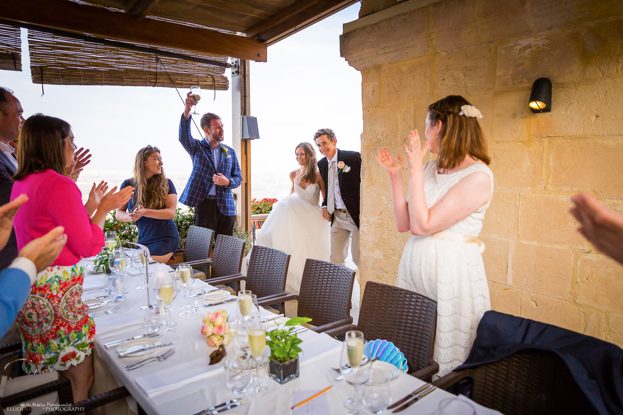 bride-groom-arrive-dinner-photography-reception