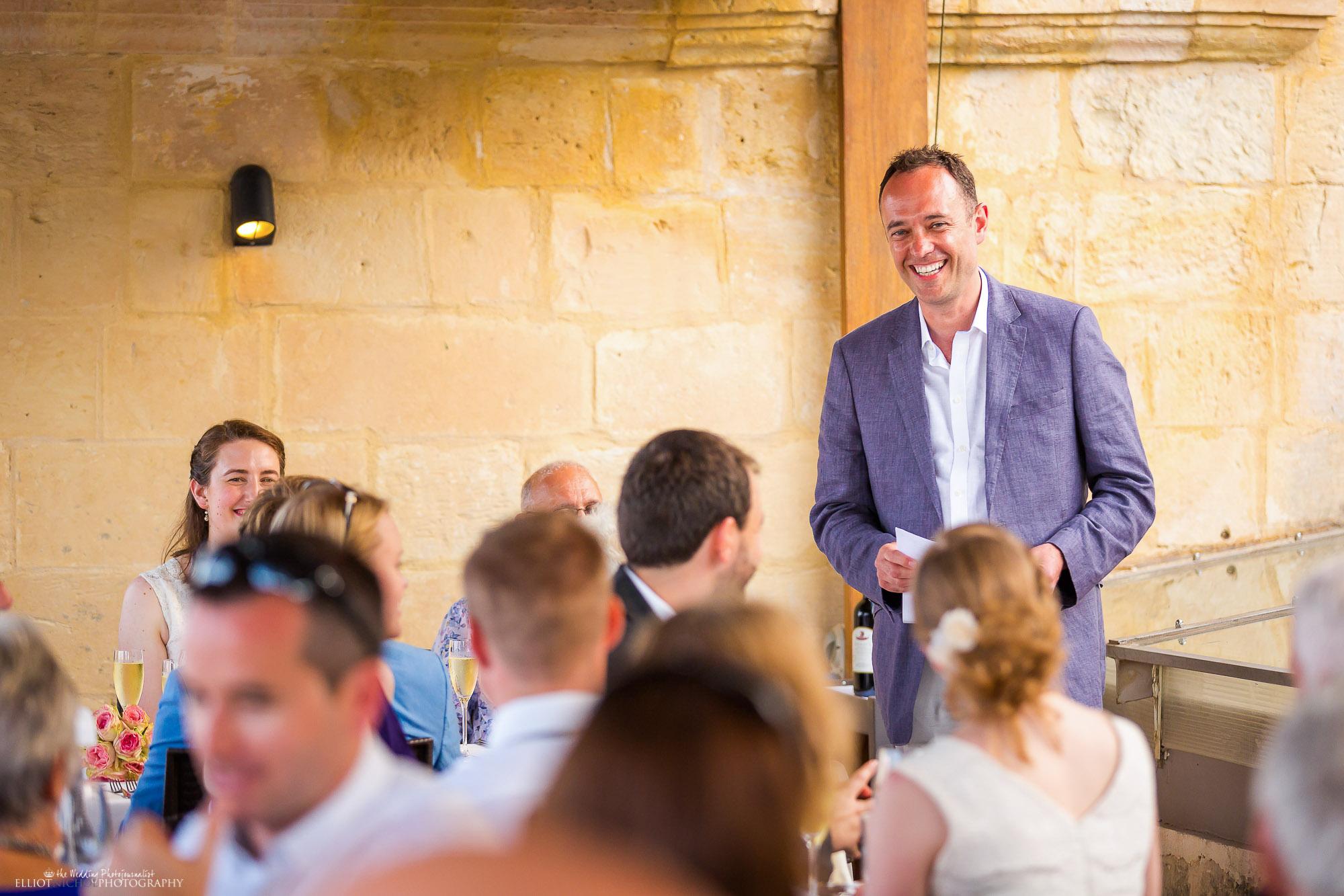 Best-man-wedding-reception-dinner-speech-photography