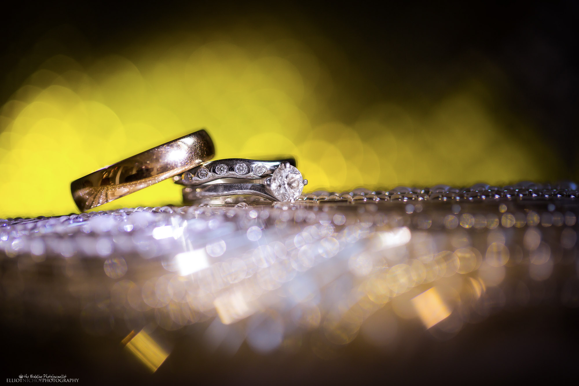 wedding-ring-macro-photographer-Elliot-Nichol-Photography