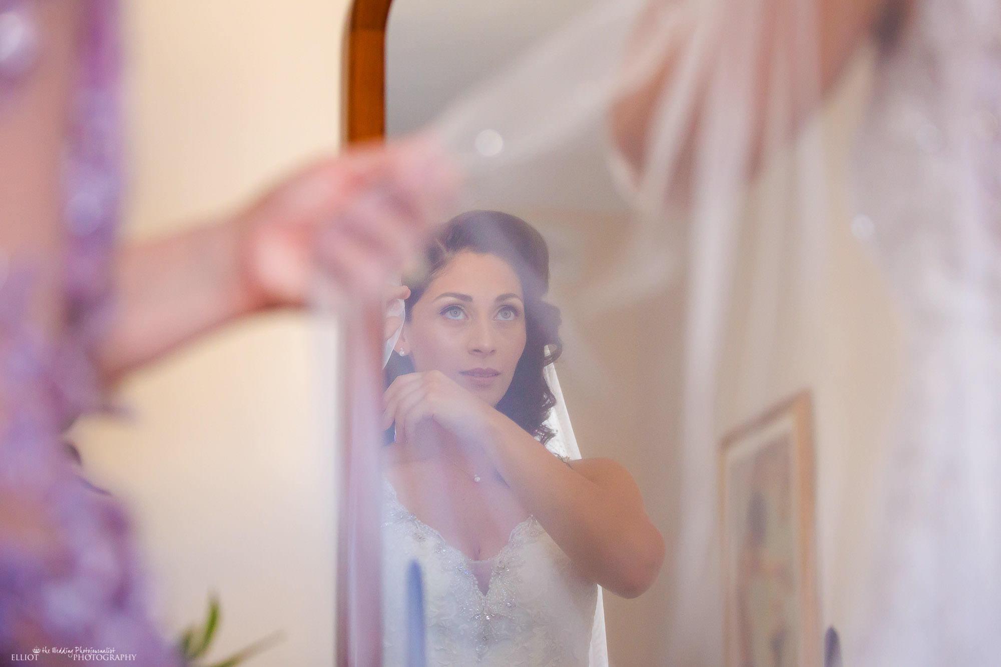 veil-bride-mother-creative-wedding-photography