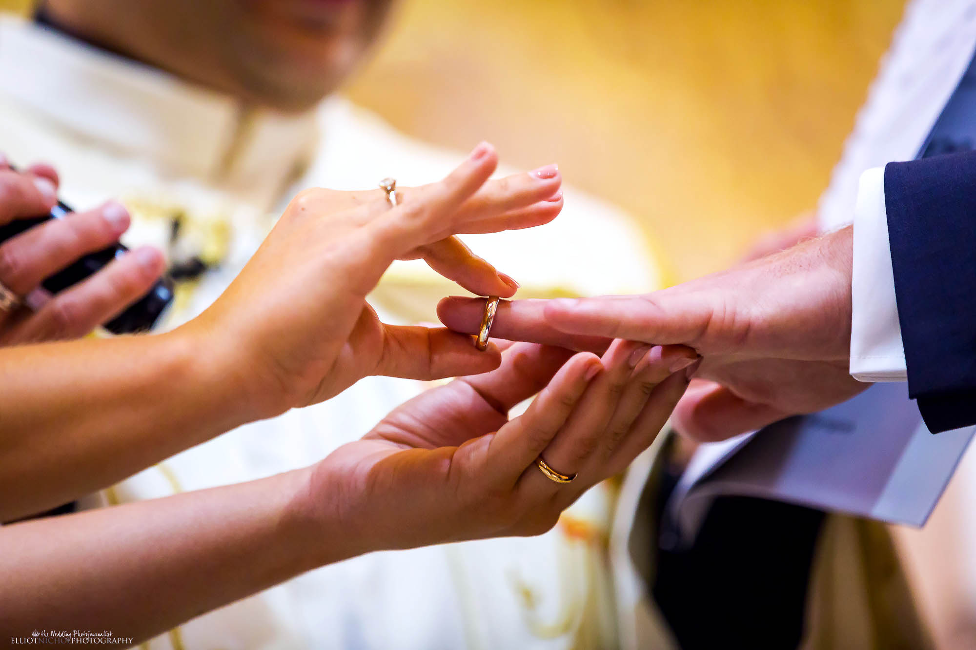 wedding-rings-church-ceremony-marriage-photography