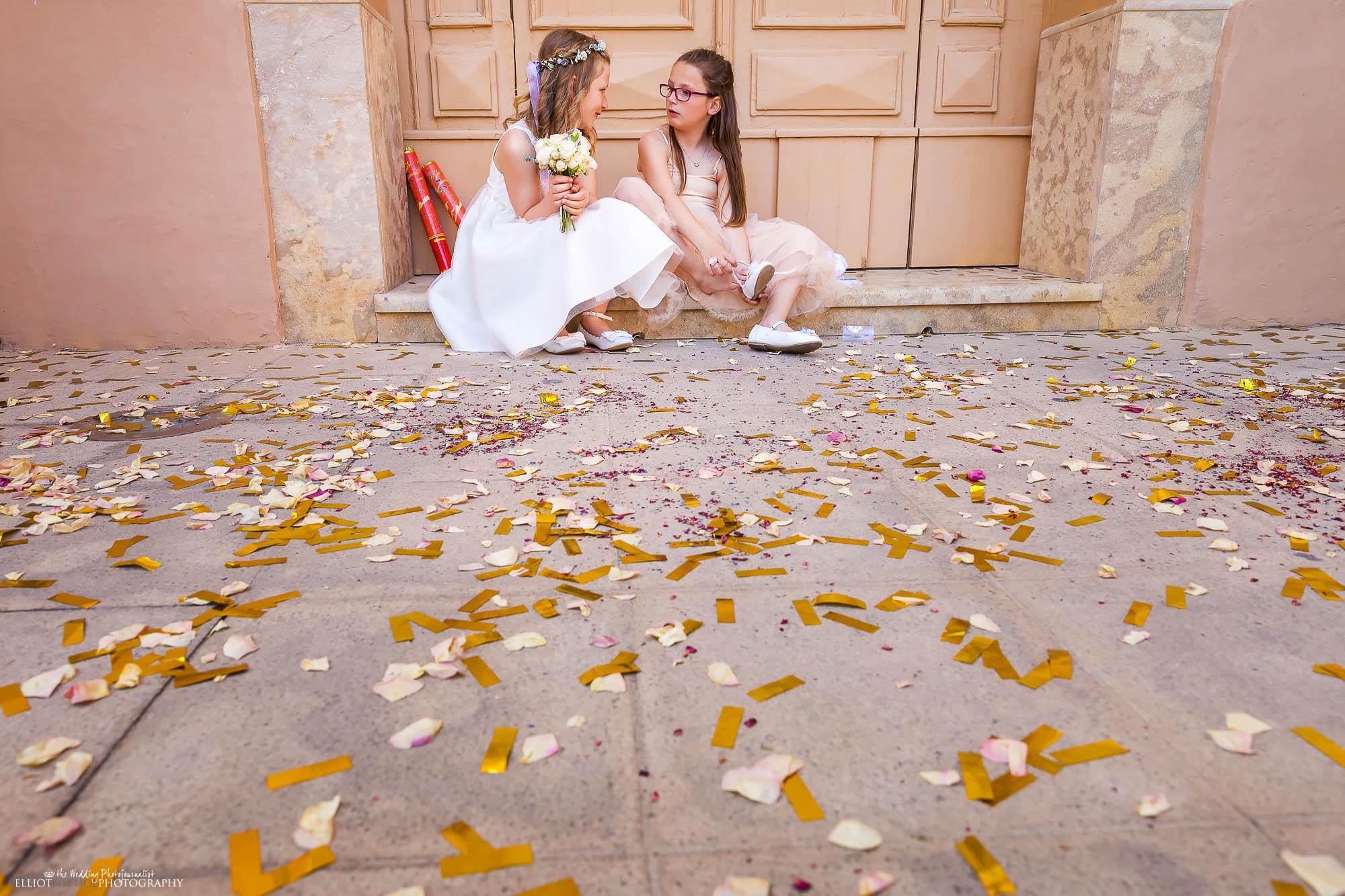 flower-girls-church-steps-confetti-wedding-photography