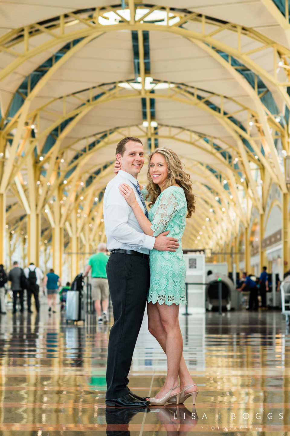 s&d_reagan_national_airport_engagement_portraits_lisa_boggs_photography_05.jpg