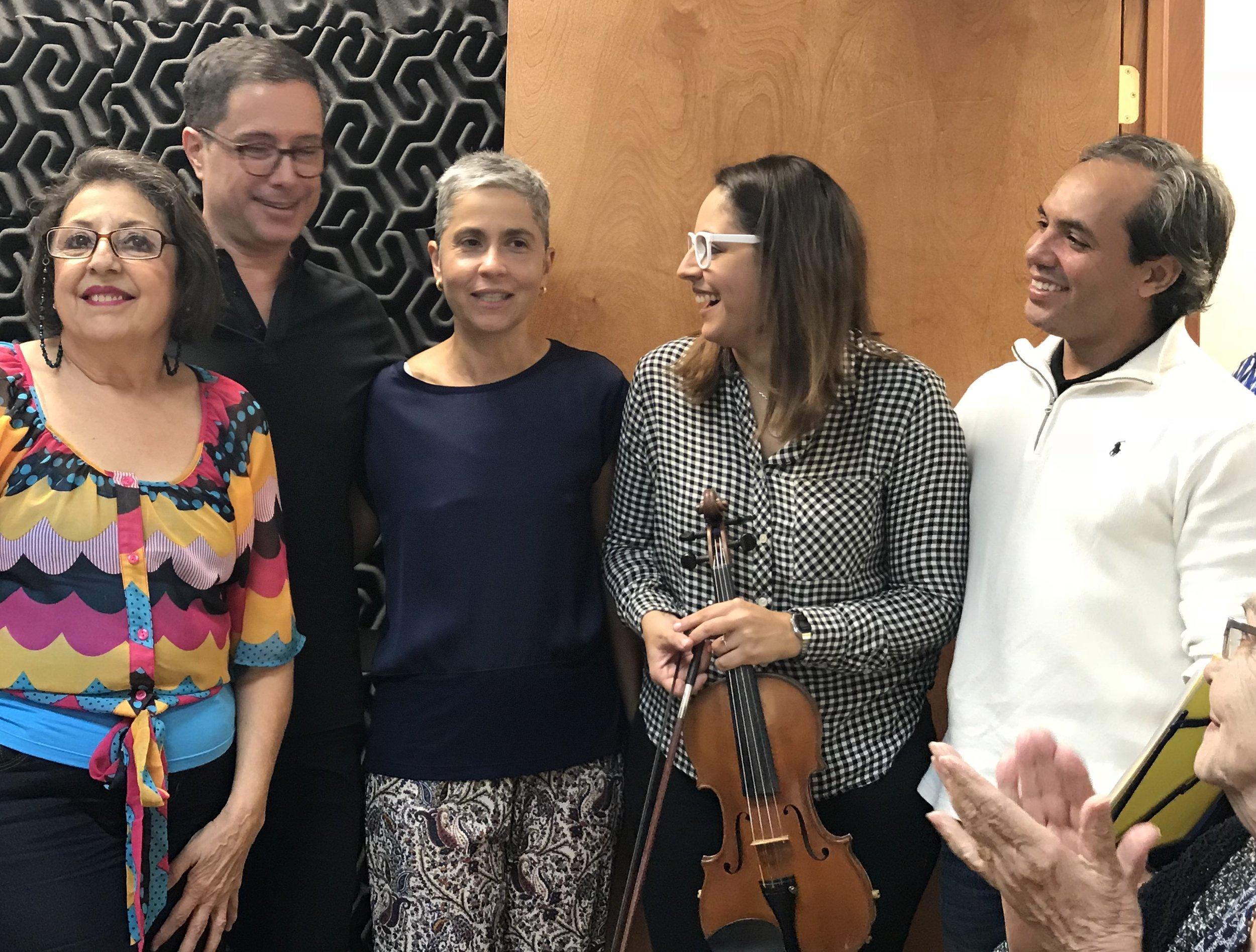 Surrounded by pianists: Olga López, Alejandro Méndez, Mariella Guillén and Simón Molina, after our recital.