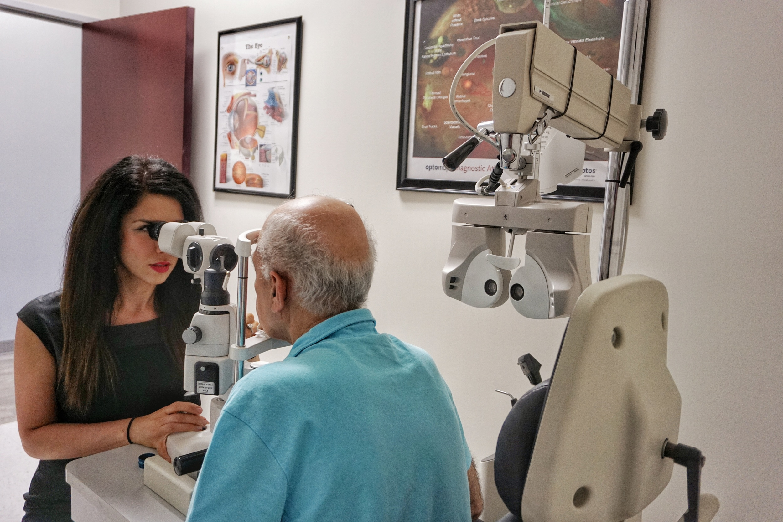 Dr. Samin Pezeshk, OD Comprehensive Eye Exam