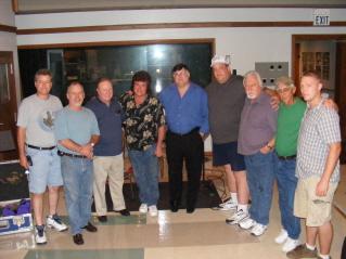groupe of musicians in the studio nashville.JPG