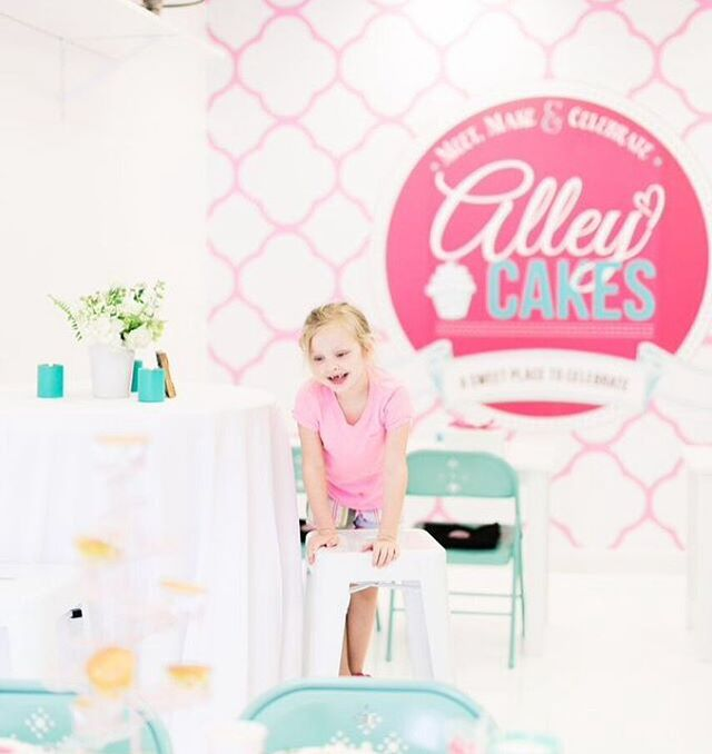 Need a cute place to host a party that is hassle free? Meet, make & celebrate will be available again for rentals starting March 1st! Give us a ring or send an email to tellmemore@alleycakes.com #beachesdessertplace #alleycakes #madefromscratch #madewithlove #meetmakecelebrate 📸: @sarahdipityphotos