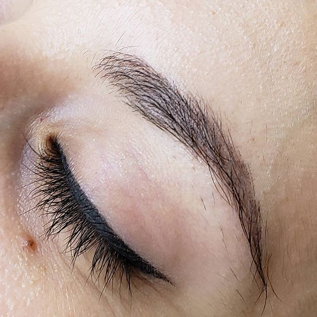 Soft healed combination brows before her touchup 😍