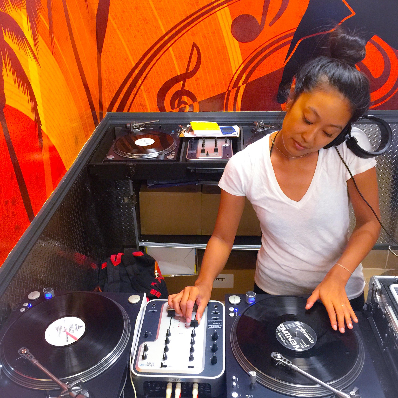 DJ Mixing class at Beaches