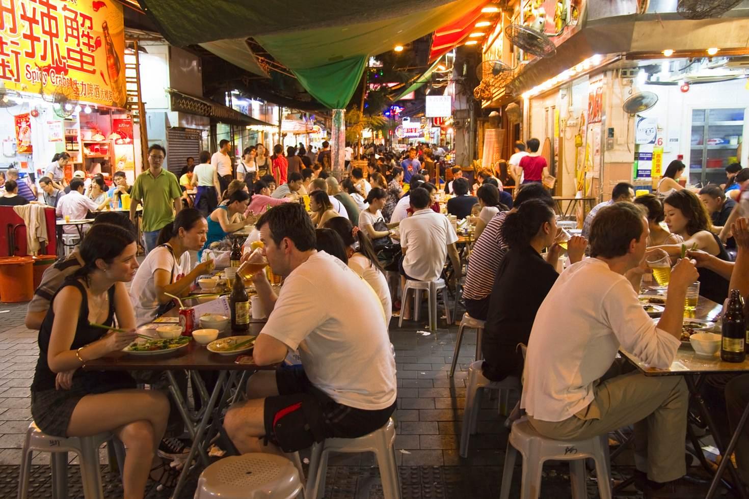 Temple Street Night Market open air restaurants, Kowloon