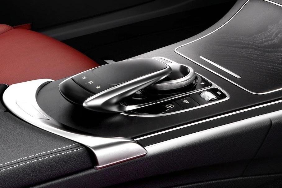 Mercedes Bens C-Class Interior