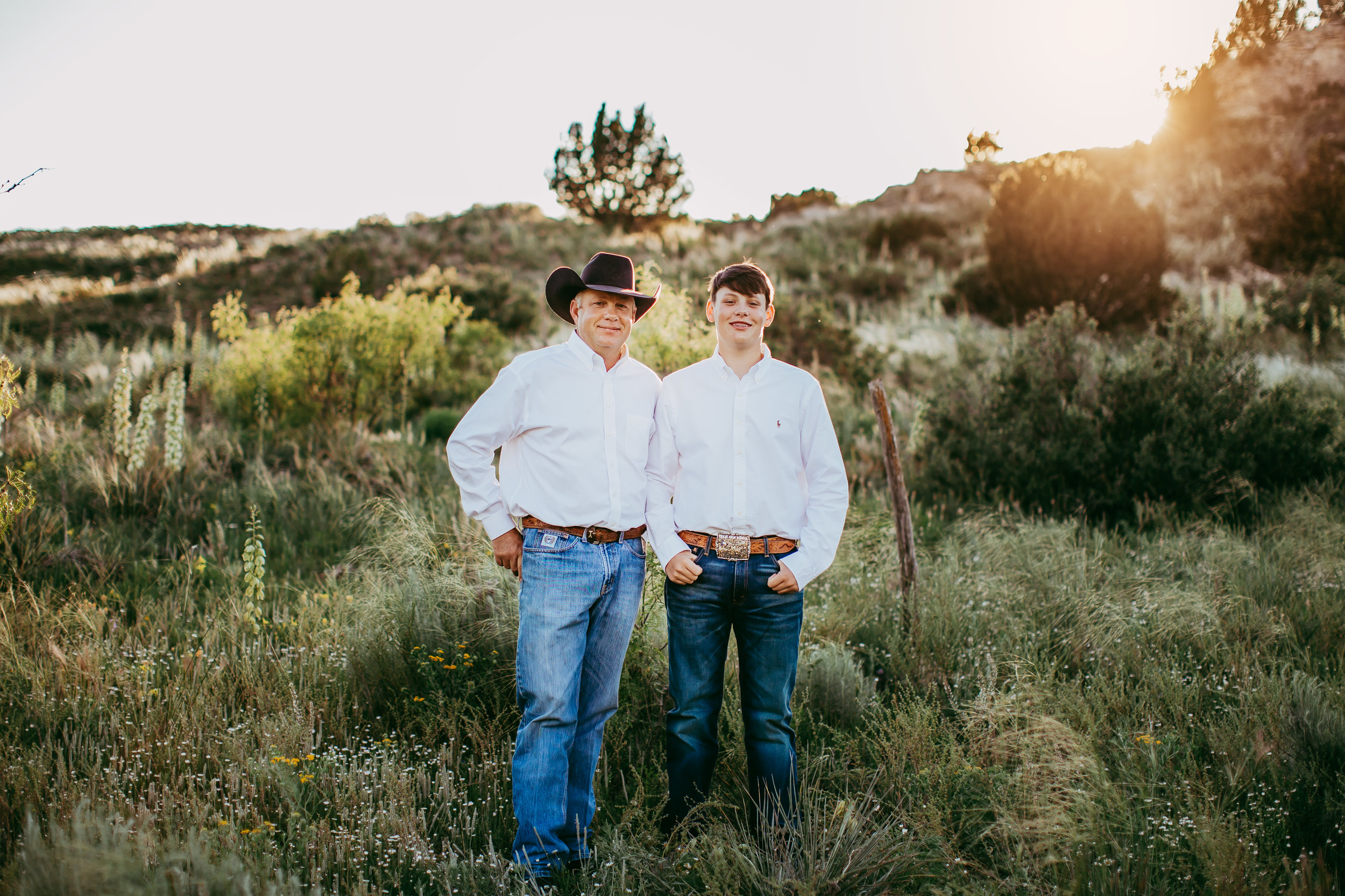 Father and son on their family ranch as the men of the house #tealawardphotography #texasfamilyphotographer #amarillophotographer #amarillofamilyphotographer #lifestylephotography #emotionalphotography #familyphotosoot #family #lovingsiblings #purejoy #familyphotos #familyphotographer #greatoutdoors