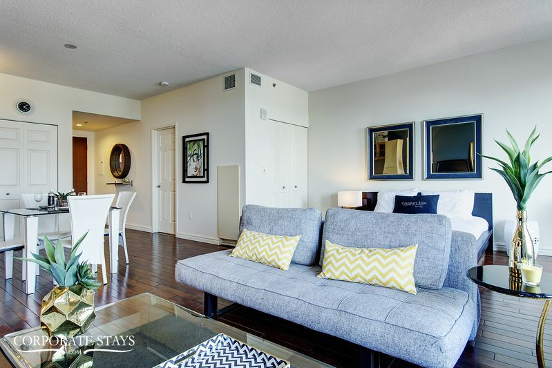 01montreal_furnished_luxury_suite_magnolia[1].jpg