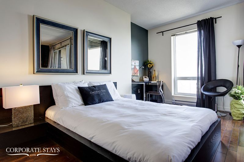 10montreal_furnished_luxury_suite_magnolia[1].jpg