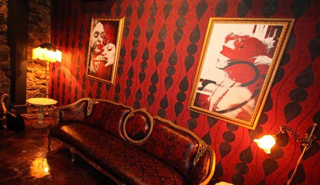photo_salon_show_bar_jack_saloon_vieux-montreal[1].jpg