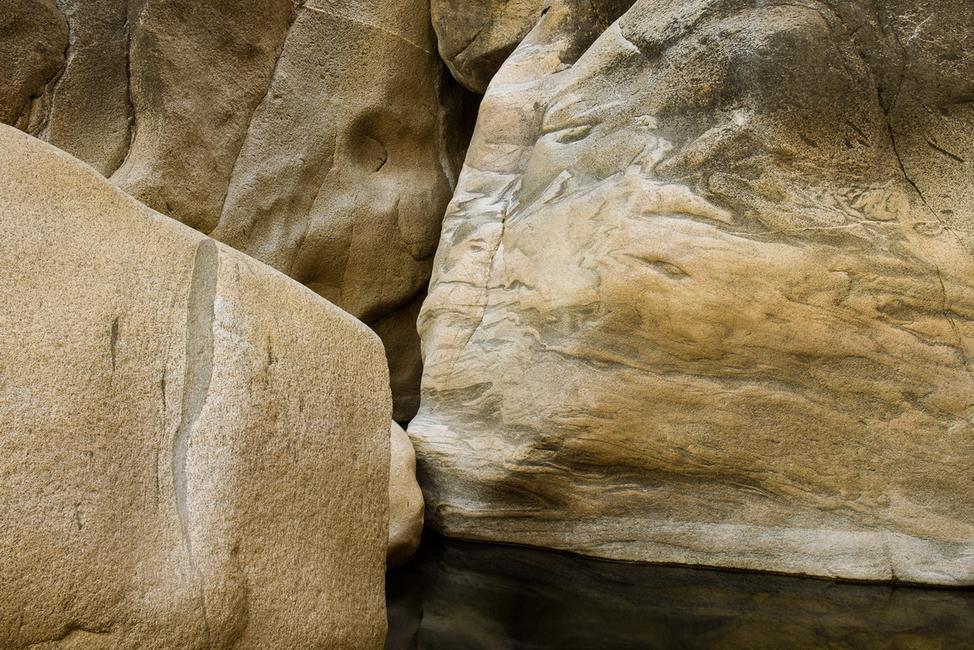 YR28--Sakols, Hugh, Kissing Rocks.jpg