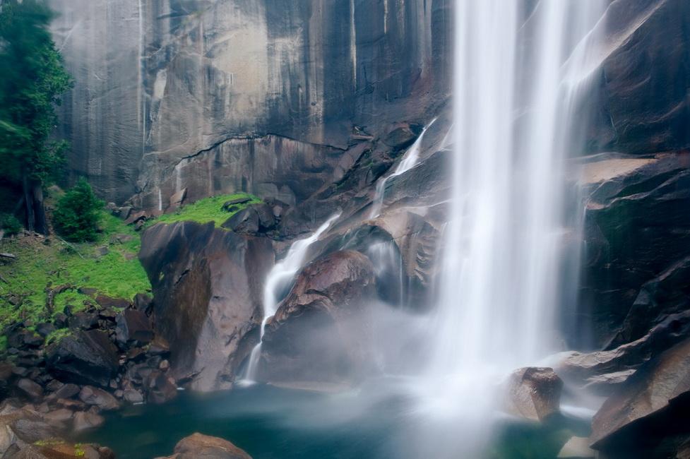 YR 25--McCormack, Jon, Vernal Falls in Summer.jpg