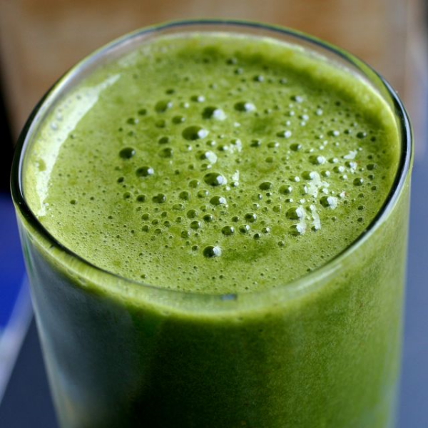 Photo Source:  http://thehealthyeatingsite.com/category/recipes/raw-food/green-smoothies/