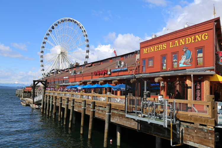 Miner's Landing and the Seattle Wheel