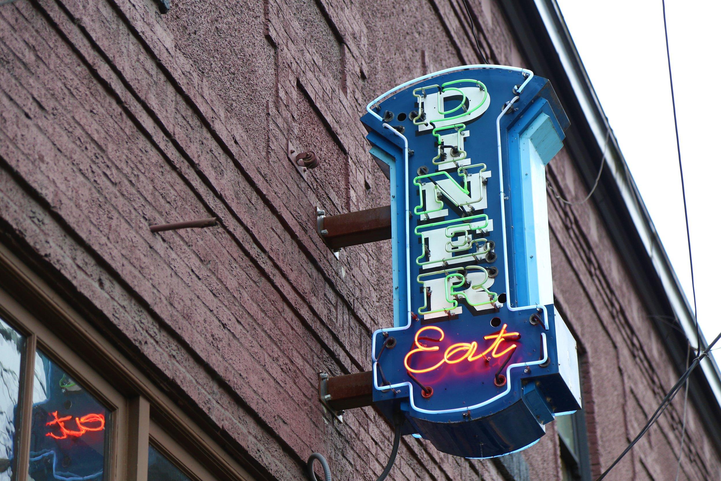 Square Knot Diner