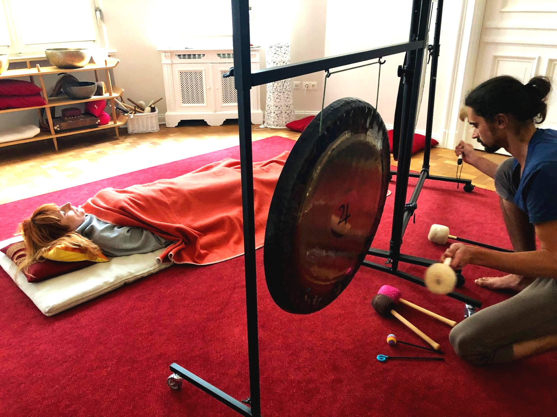Sound Healing Practice during the Initiation into Gong Playing Workshop Berlin