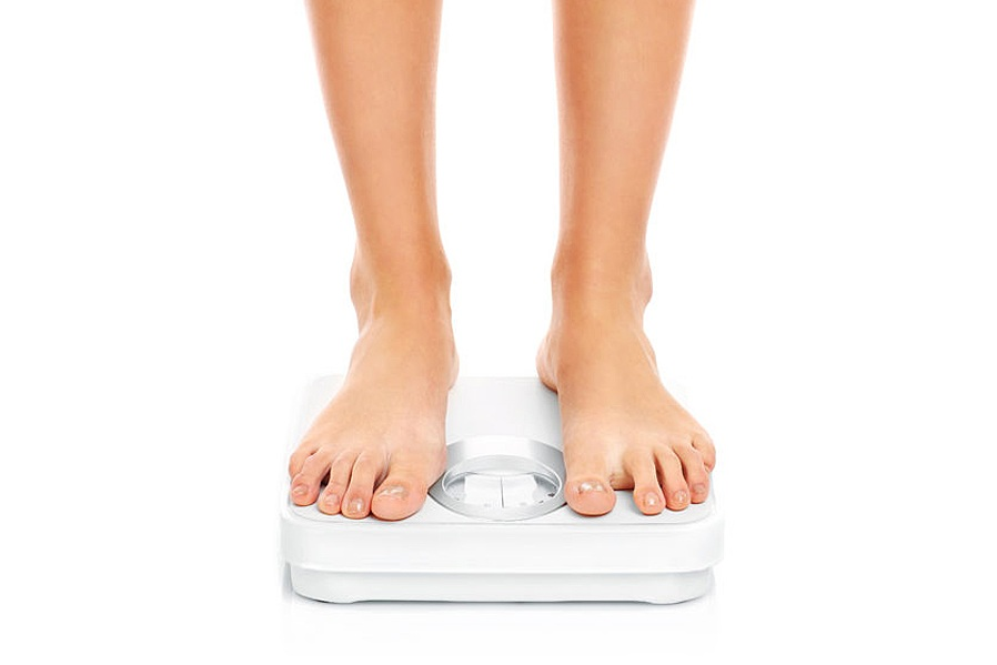 WHAT'S CAUSING THOSE WATER WEIGHT FLUCTUATIONS? AND HOW TO FIX IT!