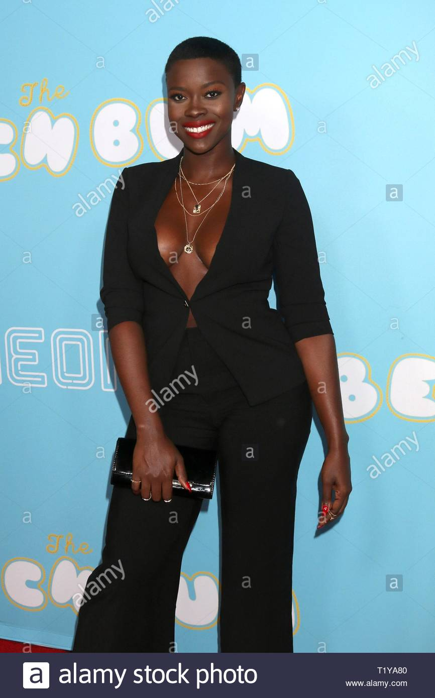 los-angeles-ca-usa-28th-mar-2019-saje-nicole-at-arrivals-for-neon-and-vice-studios-the-beach-bum-premiere-arclight-hollywood-los-angeles-ca-march-28-2019-credit-priscilla-granteverett-colle.jpg