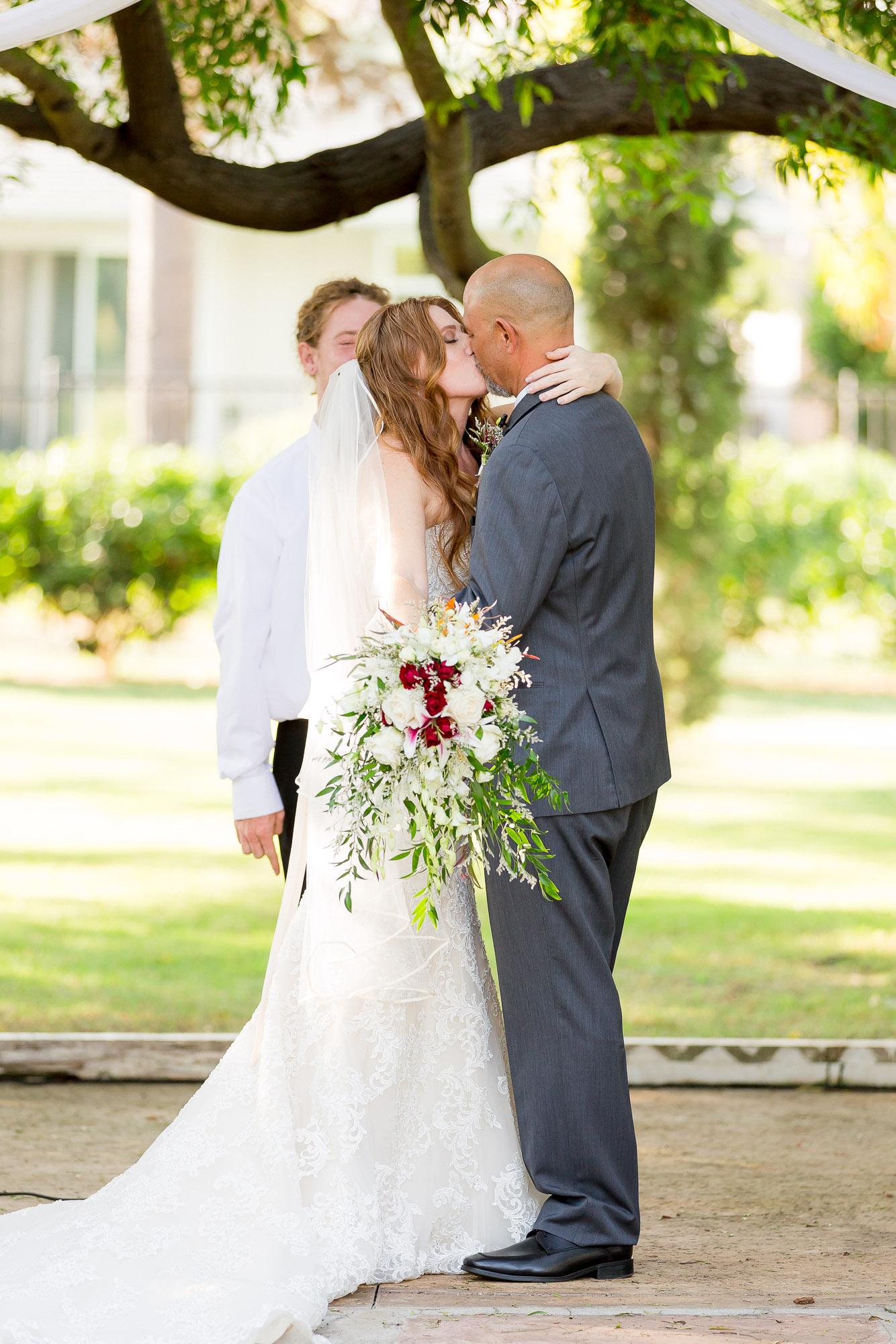 Heather_Pat_San_Marcos_Lakehouse_Wedding_405.jpg