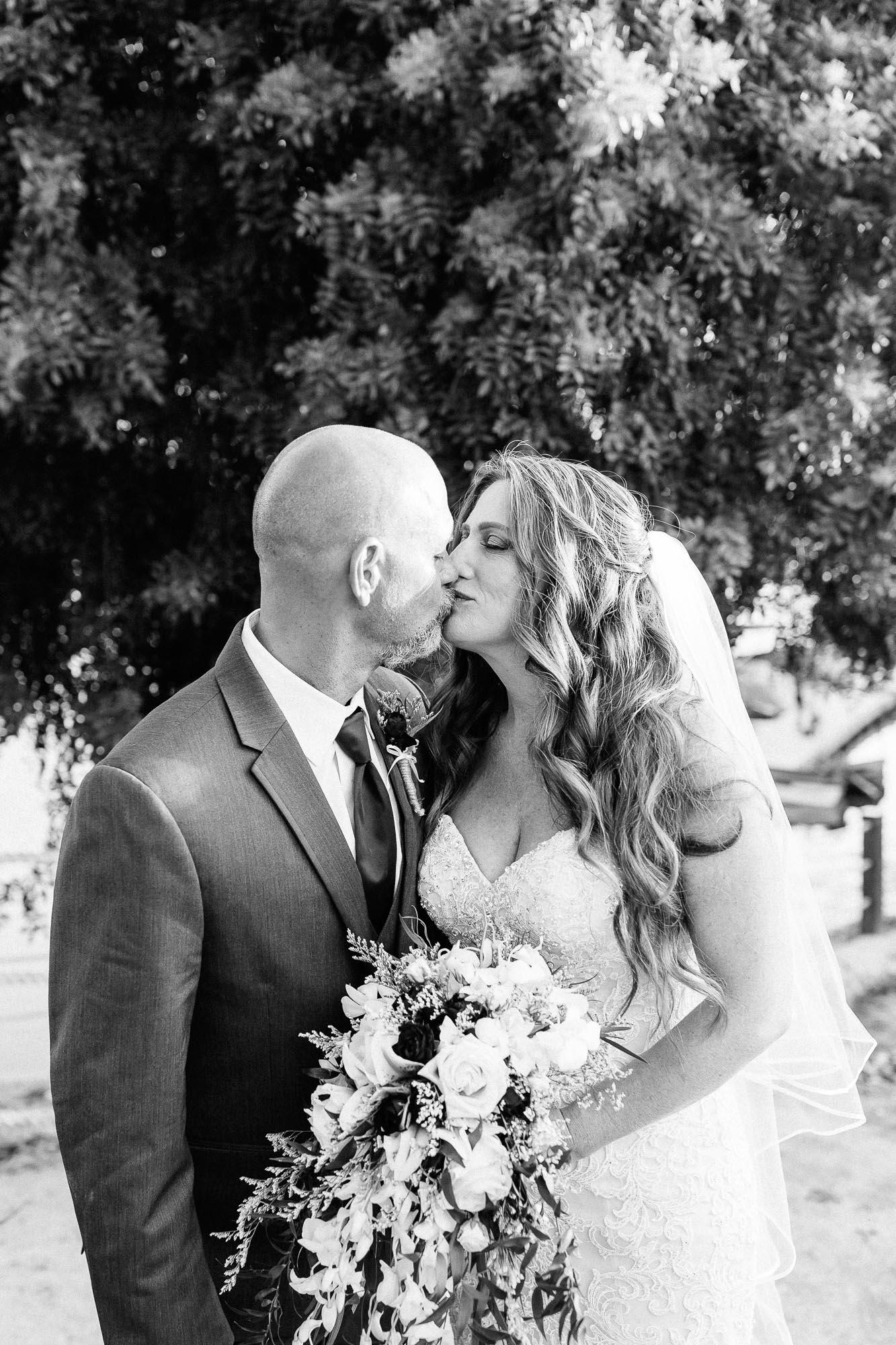 Heather_Pat_San_Marcos_Lakehouse_Wedding_501.jpg