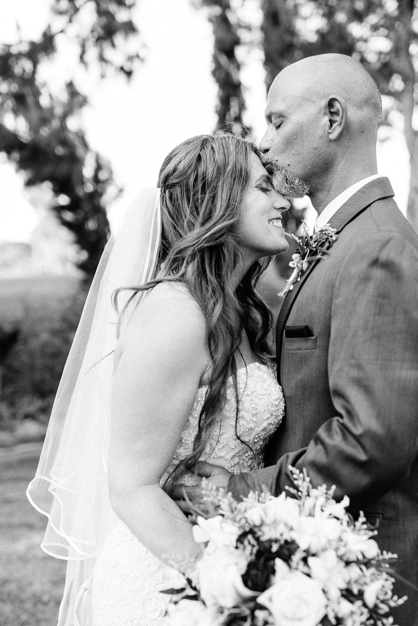 Heather_Pat_San_Marcos_Lakehouse_Wedding_515.jpg